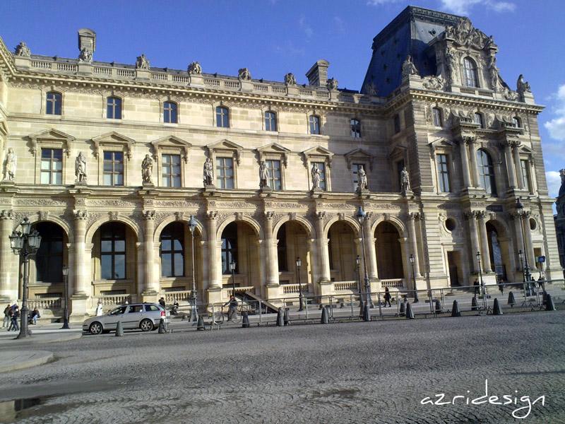 Devant le Louvre, Paris, France, 2010