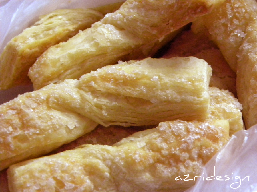 Moroccan pastry, orange flower flavoured pastries with sugar - Meknes, Morocco 2
