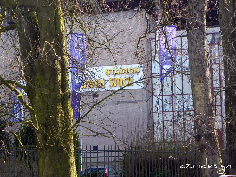 Outside Constant Vanden Stock Stadium, Bruxelles (Anderlecht), Belgique, 2010