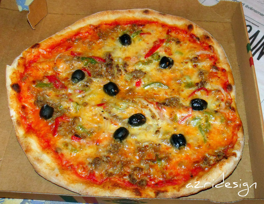 Delicious Pizza - Paris, France, 2010