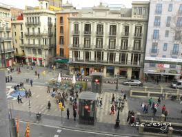 In the center of Barcelona. View from the hotel (Mare Nostrum). 2010