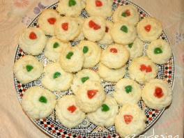 Moroccan pastry, coco flaves cookies - Rijswijk, Netherlands 2011